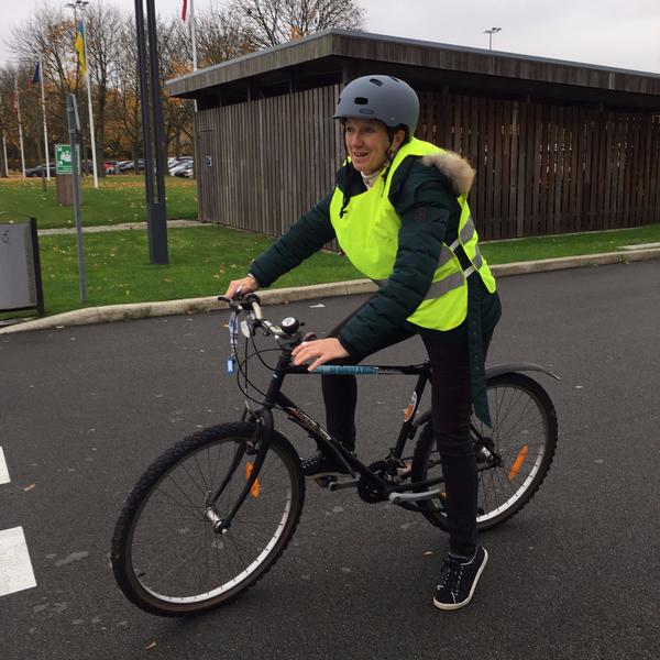 Bénédicte Geffroy, conseillère municipale missionnée par le maire pour favoriser et promouvoir l'usage du vélo